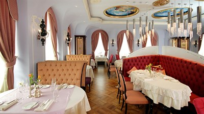 Luxury of yesteryear: Le Grand Cafè Ekaterinburg